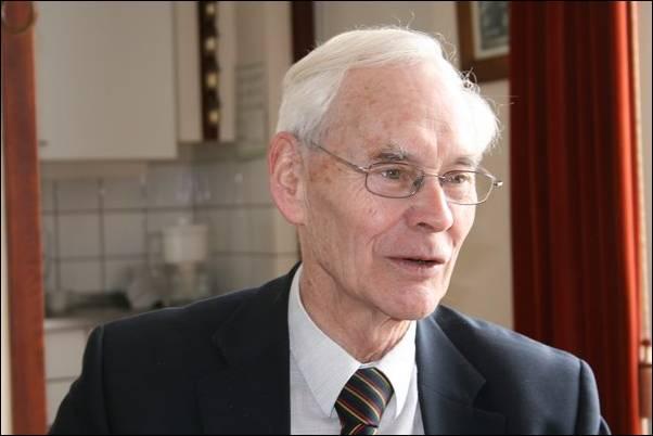 Emeritus-deken Jan Aarts (archieffoto) - image003